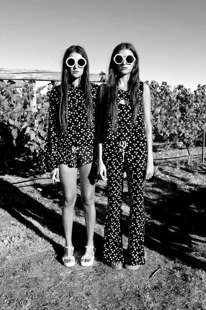 friends | sista | sisters | twins | look alike | black | fashion editorial | nature | snap shot | posing | back yard | sunglasses