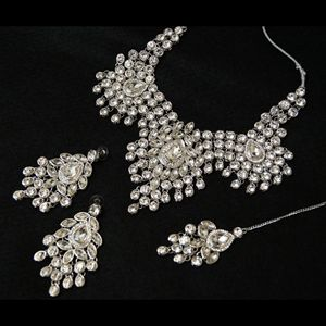 Our #Indian_bridal_jewellery is the largest, most varied collection online worldwide & we are continually adding new bridal sets & bridal accessories.Buy Indian Bridal Jewellery Online at Blingforyou
