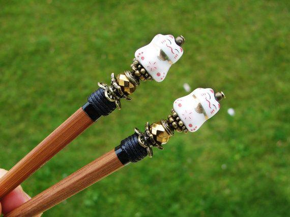 Set of 2 japanese wooden hair sticks with maneki neko, fortune lucky cat and golden crystals - kanzashi, chopsticks, pins, hair ornament