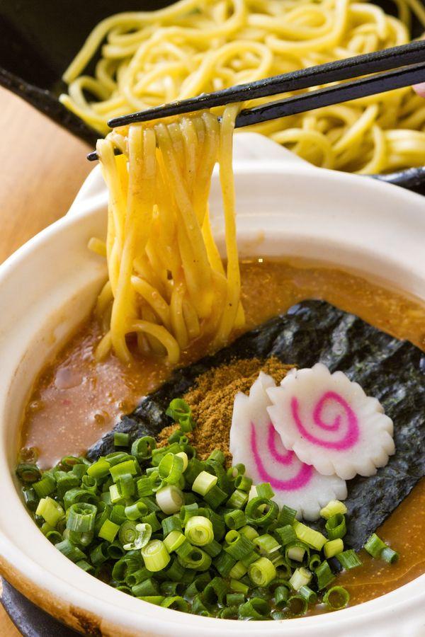 1.【肉ごぼううどん】うどんにコシは求めない!?福岡県民のソウルフード「牧のうどん」福岡県民のソウルフードといえば「博多うどん」。強いコシを持たず、ふわふわと柔らかい麺が特徴の博多うどんを楽しみたいなら「牧のうどん」に足を運んでみましょう。