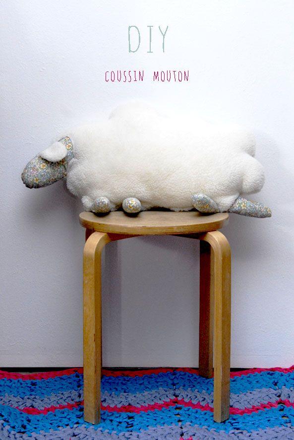 Tuto comment faire un coussin mouton comment liberty - Comment faire tenir un boudin de porte ...