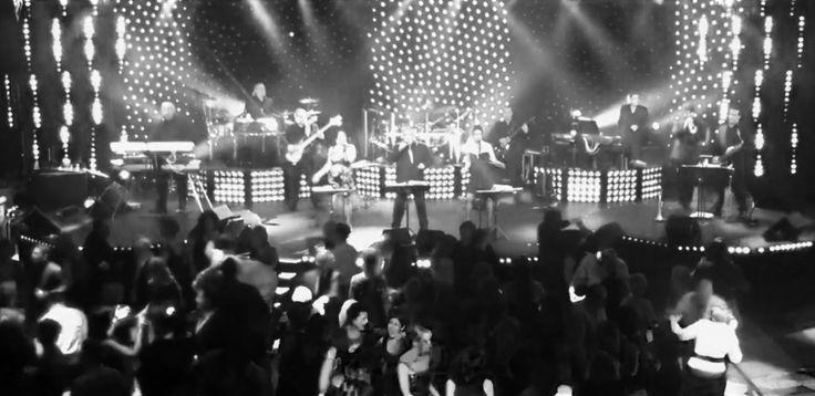 The Showmen 100% Live Band Www.theshowmen.com 1.450.667.0631 Info@theshowmen.com