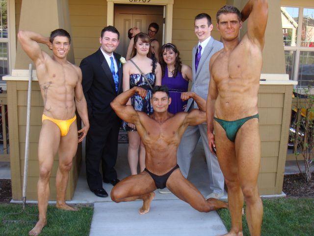Awkward Prom Photos (27)-min