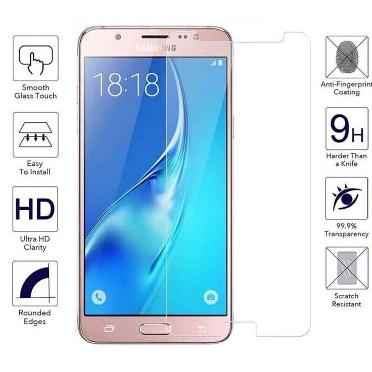 Folie protectie sticla (tempered glass) Dedicata special pentru modelul: Samsung Galaxy J5 2017 Compozitie : strat de sticla cu strat de plastic Tempered Glass : suprafata de sticla temperata are o duritate de 8-9H si 0,3 mm grosime, de trei ori mai puternica decat un film obisnuit ecran protector de plastic.  Nu afecteaza buna functionare a touchscreenului. Folia de sticla este cea mai buna protectie pentru telefoane. Folie cu margini curbate 2,5D care evita agatarea de buzunare. Adezivul…