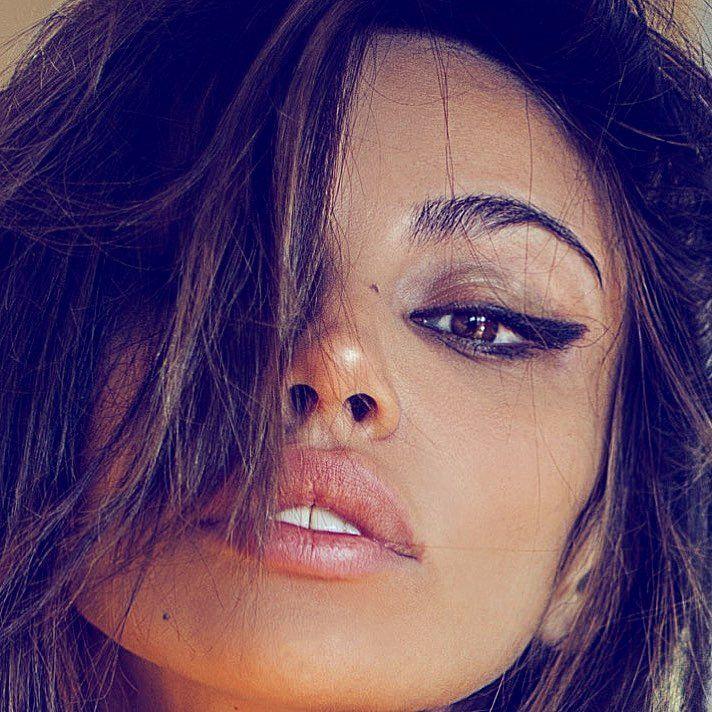 "Madalina Diana Ghenea (@officialmadalinaghenea) on Instagram: ""#closer ❤"""