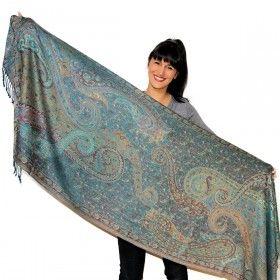 Foulard vert doux motifs traditionnels indiens, prix Mini à retrouver sur http://www.merabarata.fr/les-jamavars/474-foulard-jamavar-vert.html