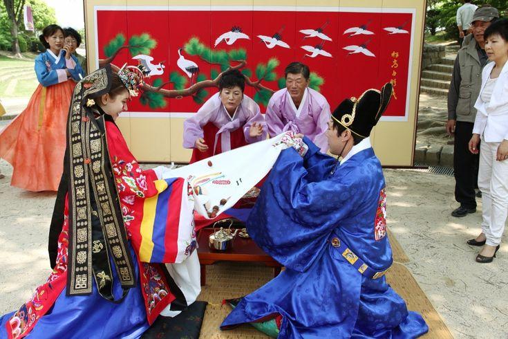 Traditional Korean Wedding Gifts: 28 Best Korean's Wedding Images On Pinterest