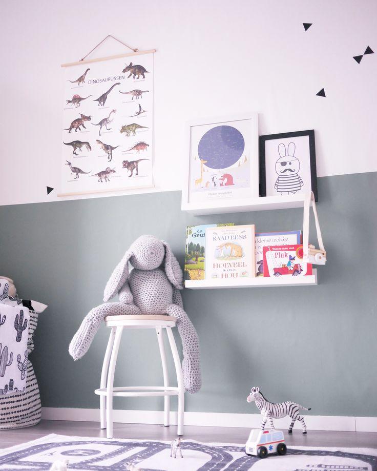 #boysroom#green#monochrome#schoolstoel#speelkleed#bigboy