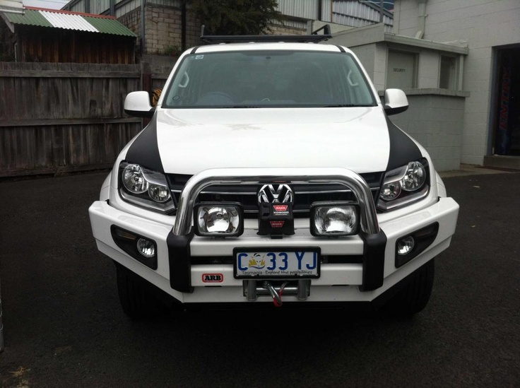 White Amarok with ARB Sahara Bullbar1