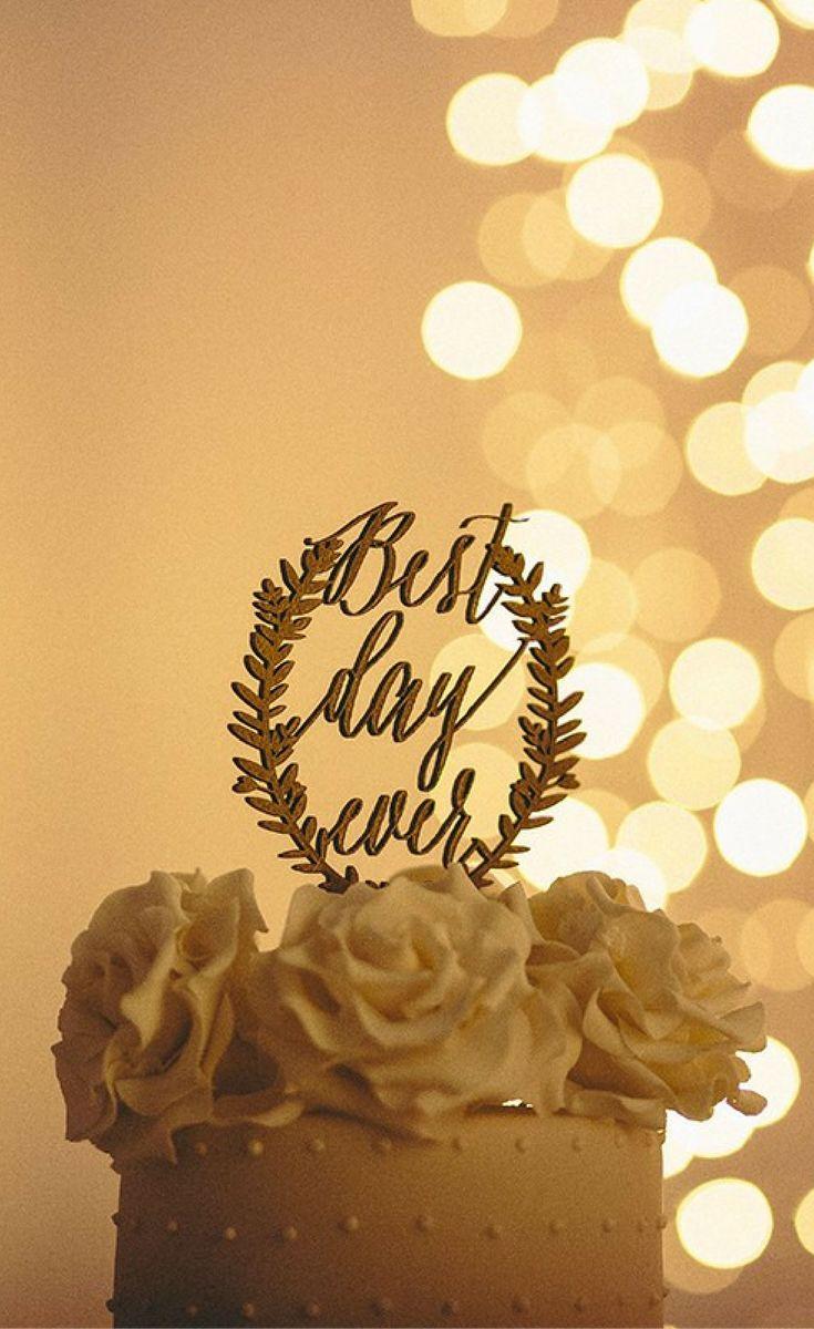 www.secretdiary.co.za   Cake Topper   Tatum & Piero   Photo: Kikitography   #gold #glitter #caketopper #bestdayever #wreath