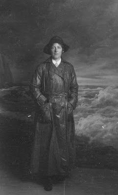 Olive Tree Genealogy Blog: Nursing Sister Phillips WW1 Album: 9 V Postcard fr...