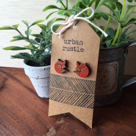 Houten oorbellen slaperig Vos Vos houten hengsten door urbanrustle