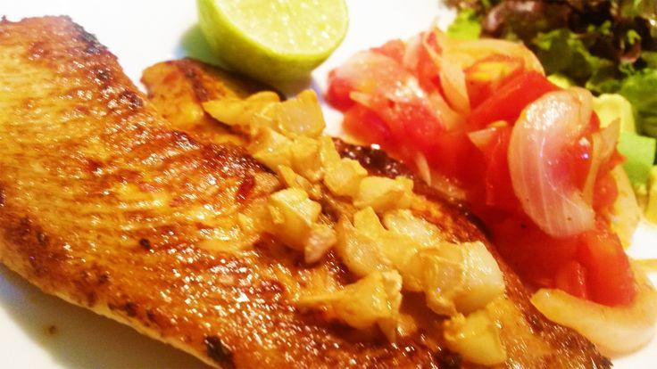 Cocinar Filete de Pescado al Mojo de Ajo Enchipotlado (Facil y Sencillo)