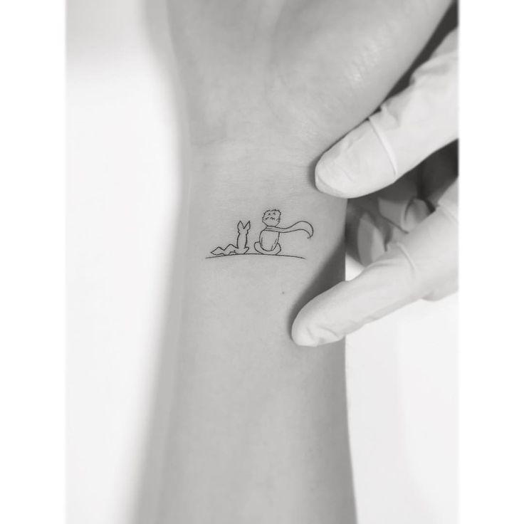 Best 25 wrist tattoo ideas on pinterest ankle henna for Minimal art instagram