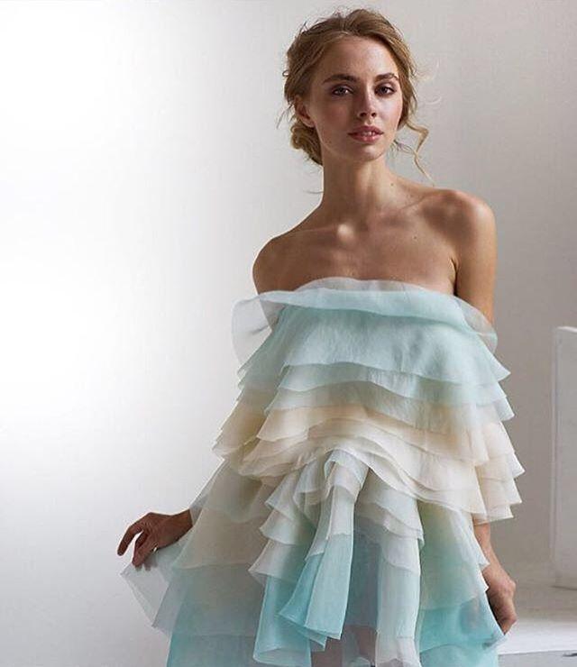 """Мятная нежность от """"Svetlana Evstigneeva"""" , платье подойдёт для романтичной встречи , для выпускного или для второго платья на свадьбу, а может и на день рождение! Случай всегда можно найти и настроение, почувствовать волшебство , красоту момента ✨☺👗 Платье в наличии. 📲Обращайтесь по номеру в What's app89104304499  #цветы #hautecouture #вечернееплатье #самара #москва #moskvafashionweek #spbgram #wedding #хочу #специальноепредложение #Photographer #Fashion_wedding #выпускной…"""