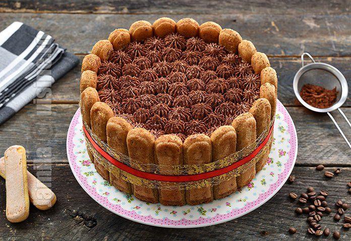 Tort tiramisu cu ciocolata – reteta video via @JamilaCuisine