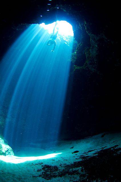 Itchetucknee Spring, Blue Hole. Diver: Floriano Putigna by eputigna on Flickr.