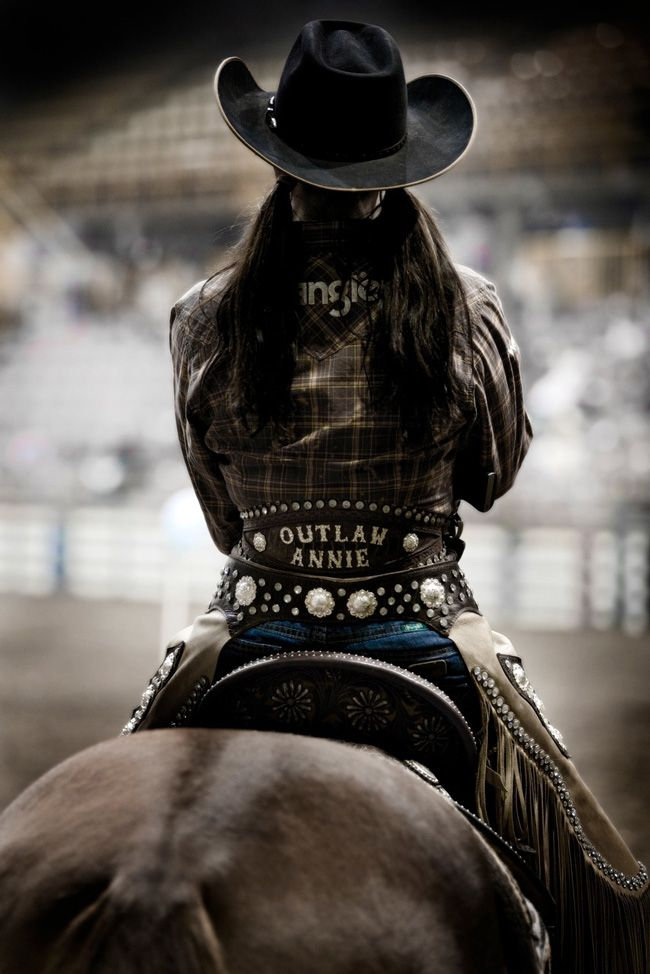 Western Horse Review: Outlaw Annie, photography by Annie Bianco-Ellett