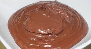Crema pastelera de chocolate.