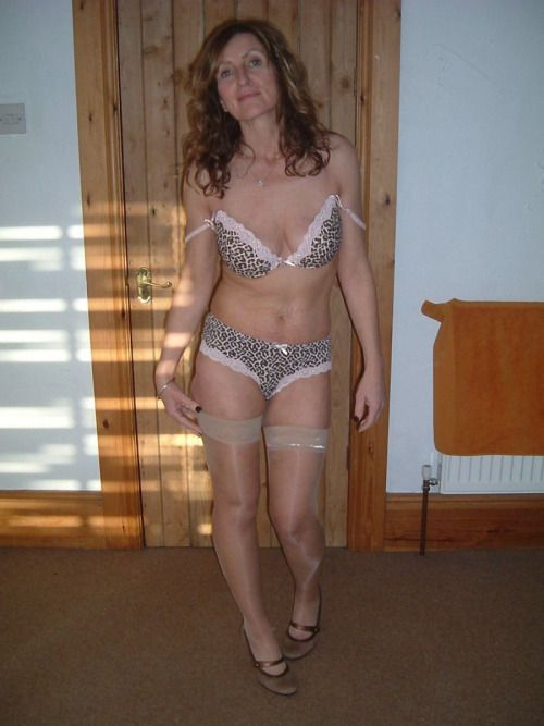 hot cheating housewife