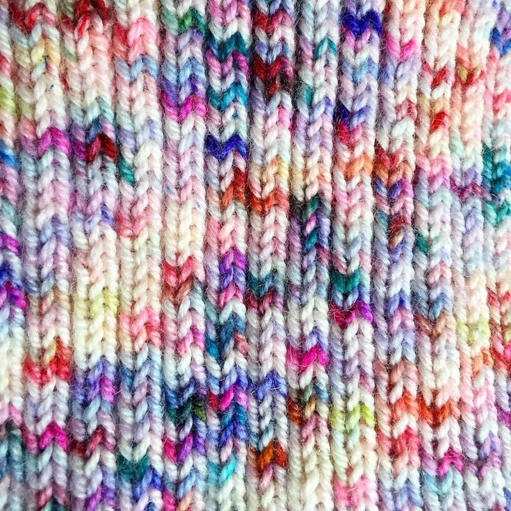 """A huge """"Thank you!!"""" To everyone who has already taken part in the Julianna's Fibre sale   The sale is ongoing over the weekend and there are still a lot of lovely yarns left in the shop. Just enter the code THIRTY at check-out to receive 30% off your order at juliannasfibre.com (tap the link in my Instagram profile to get there.)  Yarn pictured: """"Supernova"""" knit up. #juliannasfibre"""