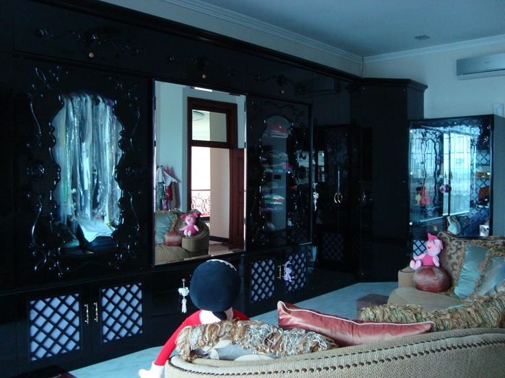 Anna Sui Implemented In Wardrobe Design For Home By Simple Luxury Interior SurabayaIndonesia