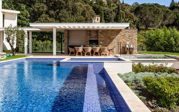#france#luxuryvilla#vacations#St.Tropez#relax#lacurevillas#travel#luxuryvacation#lovelyviews#europe#pool#sun