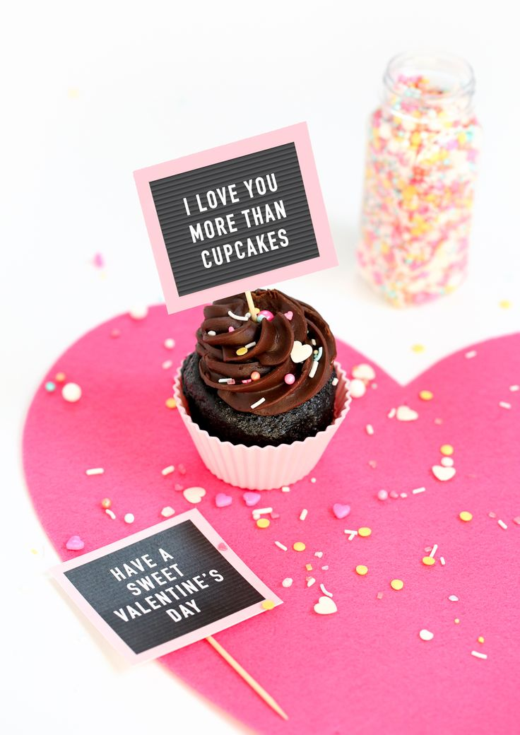 Chocolate cupcakes with Free Printable Valentine Cupcake Toppers - mini pink letterboards!