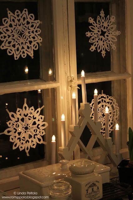 Paper showflakes on my kitchen window Romppala - kotoilua ja puutarhanhoitoa