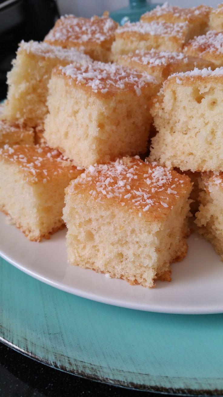 Dit is onze favoriete cake! Lekker friszoete smaak van sinaasappel en heel zacht en luchtig. Bovendien is ie heel makkelijk te maken ...