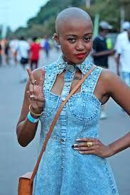 Nomuzi Mabena (TV presenter / Présentatrice télé)