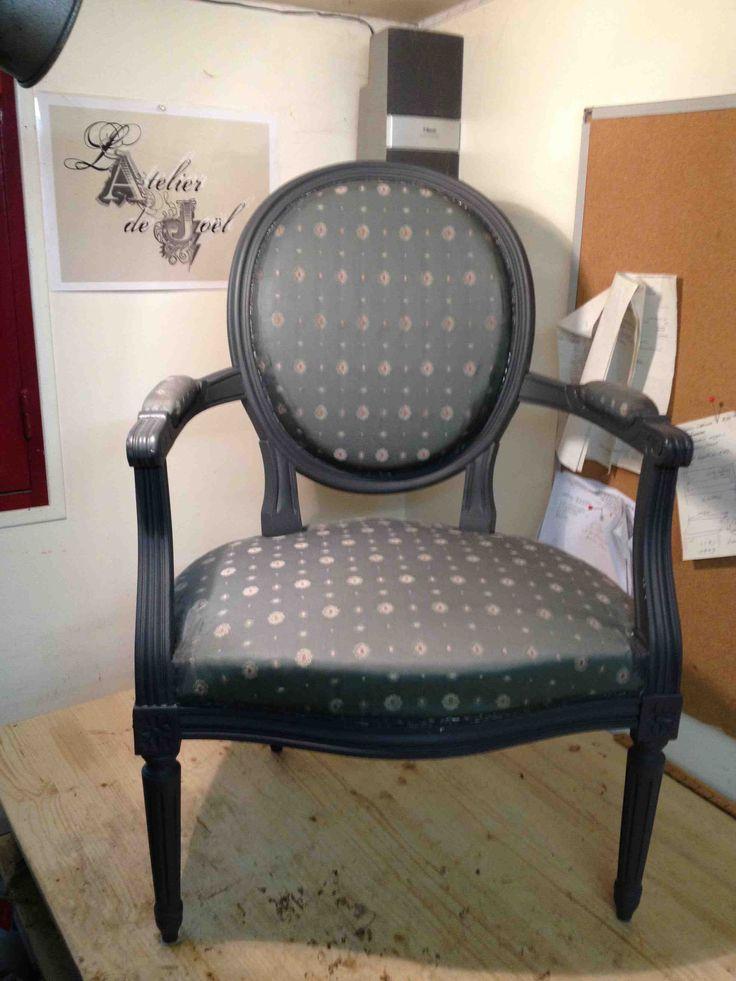 best 25 fauteuil medaillon ideas on pinterest fauteuil. Black Bedroom Furniture Sets. Home Design Ideas