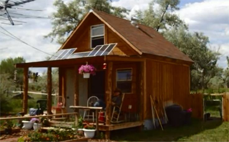 How To Build A Nice Small Cabin Powered By Solar Panels