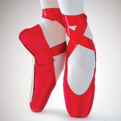 En pointe, red pointe shoes, Piros balett cipő
