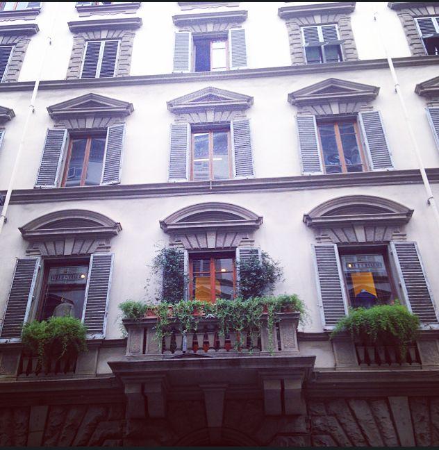 Via Roma, Firenze http://omnesgreen.tumblr.com/post/91286527382/omnesgreen-italia-firenze