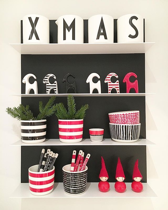 Some Christmas details✔️ Jouluisia yksityiskohtia✔️ #designletters @designletters #nordicchristmas #juleinspo16 #nordiskehjem #nordicminimalism #interior9508 #interior123 #passion4interior #interior4all #interior_and_living #interiordesign #interior4you1 #interiorwarrior #whiteinterior #mynordicroom #inspiremeinterior #villalille #hus10a #ingerliselille_inspo #mykindoflikeinspo #boligpluss #interiørmagasinet #marimekkopr #aarikka @aarikka