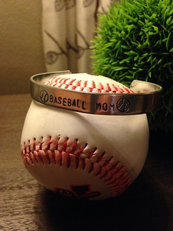Baseball Mom bracelet cuff. Can also be done in Softball Mom or Ball Mom. Great way to support your favorite player :)