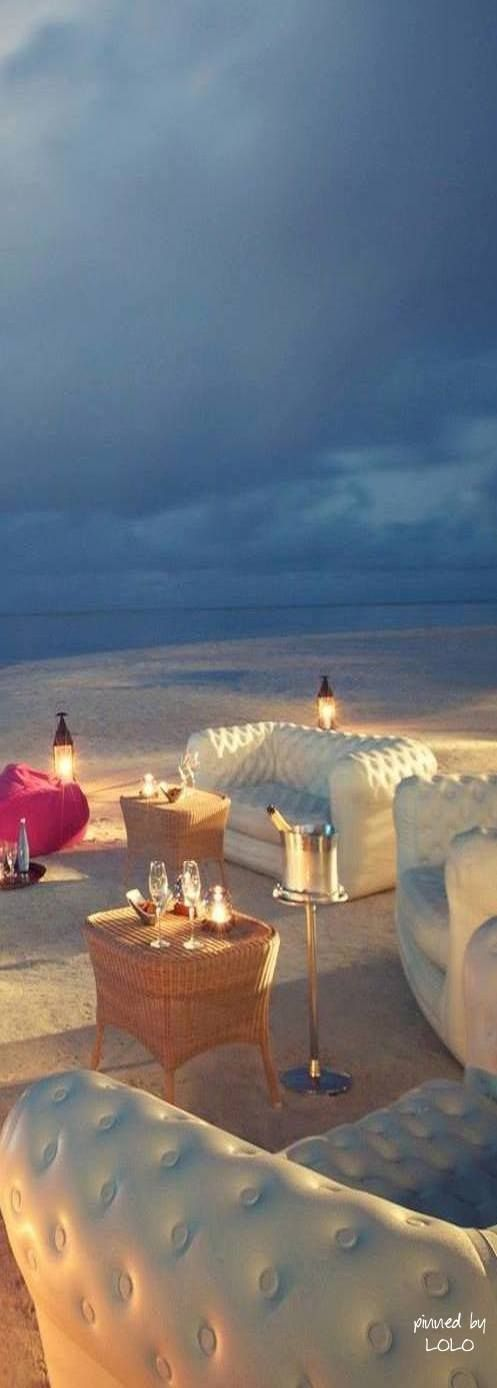 Mauritius - a cocktail lounge at the beach <3