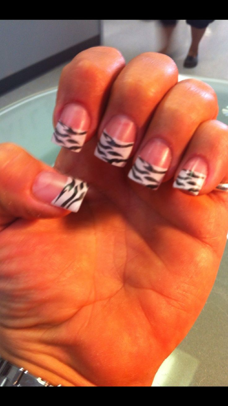 My Zebra acrylic nails
