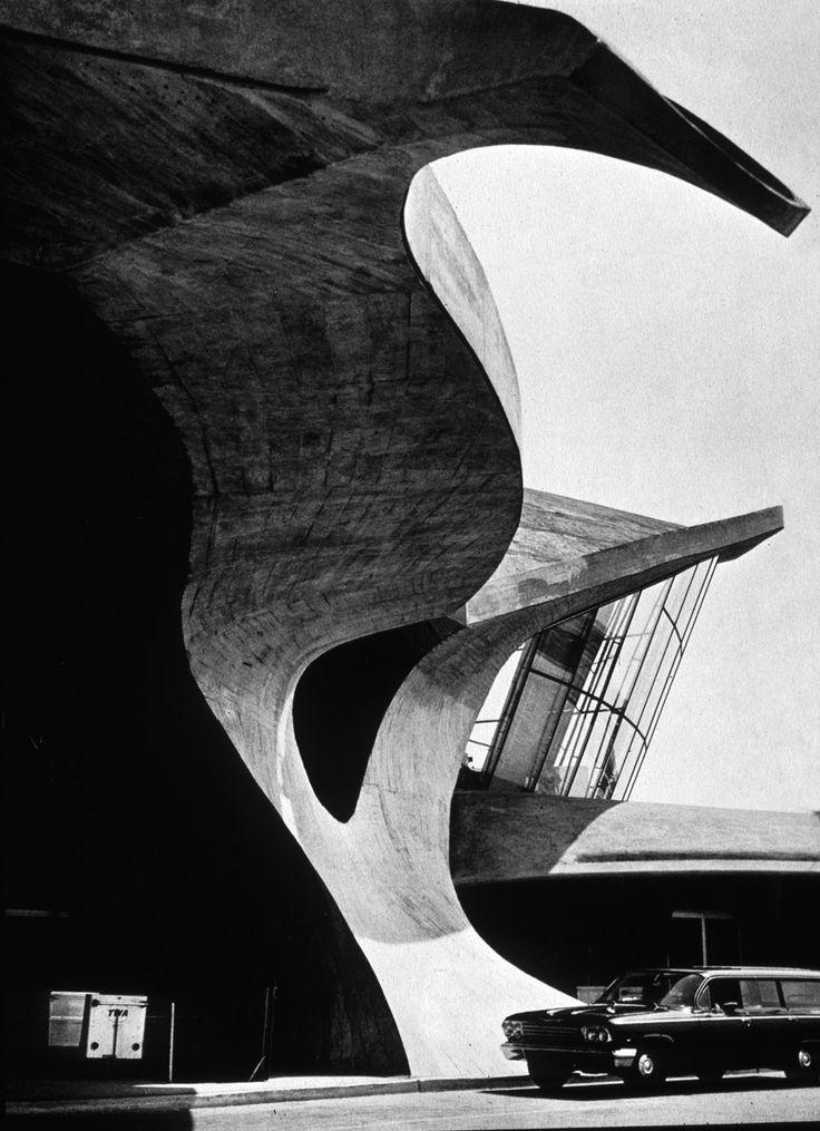 TWA Terminal, JFK, NY. Designed by Eero Saarinen, photo by Ezra Stoller, 1962.