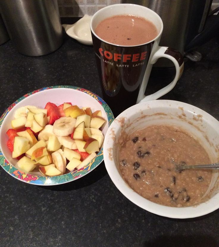 Dinner  GYM COMPLETE Original porridge with alpro hazelnut milk and added raisins as well as a fruit bowl consisting of a banana strawberries and an apple with an options hot chocolate #health #healthy #healthybody #healthymind #healthyliving #healthylifestyle #calories #caloriecounting #myfitnesspal #maintain #maintaining #bodymagic #3minutebellyblitz #extraabs #gym #gymlife #gymsession #motivated #motivation #motivational