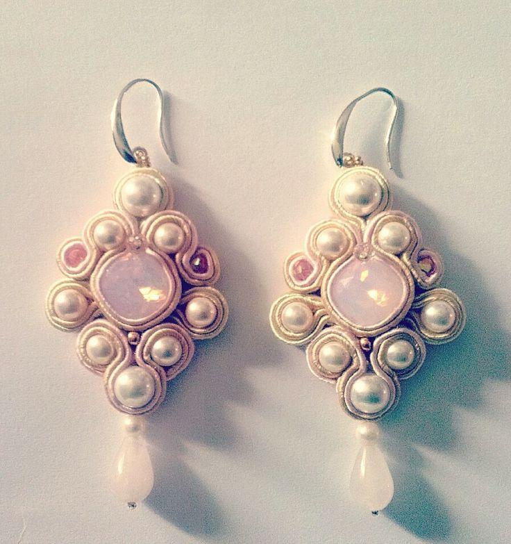 orecchini soutache, cristalli, perle, swarovski e gocce di quarzo