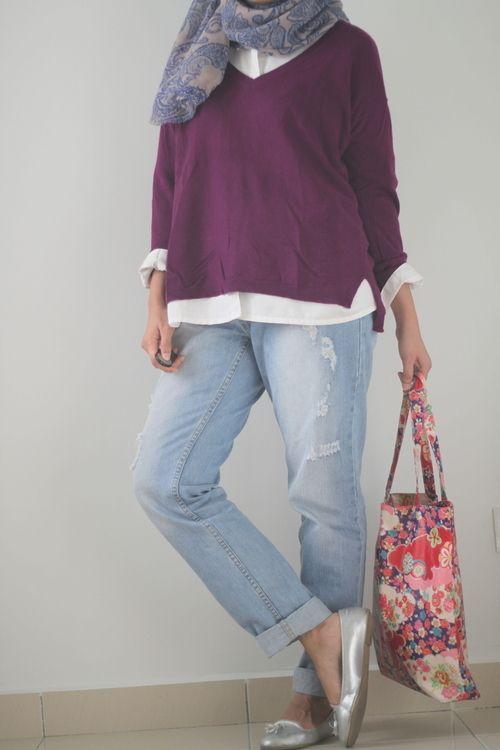 Street Hijab Fashion   via Tumblr