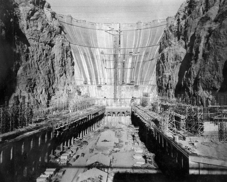 Hoover Dam Without Water..pretty amazing