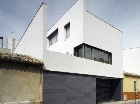 Casa entre medianeras villena alicante estudio hbs 1 - Vivienda unifamiliar entre medianeras ...