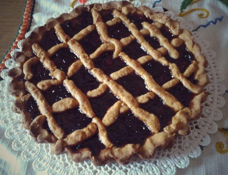 Crostata con farina di Kamut, zucchero di canna e confettura alle ciliegie