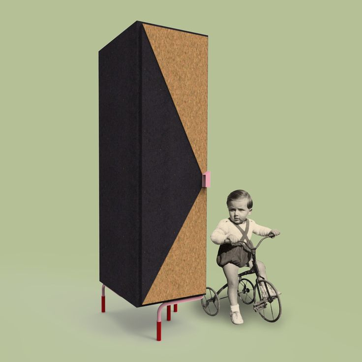 cose da bocia - Wardrobe made of coloured MDF (measuring 50x50x180 cm with 1 door – 50x100x180 cm with two doors) with lacquered parts coated with cork; complete with removable inside shelves and coat rail. Tubular metal structure resting on the floor.