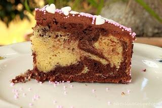 Prepara un exquisito bizcocho marmolado de vainilla y chocolate. Descubre, también, cómo decorarlo