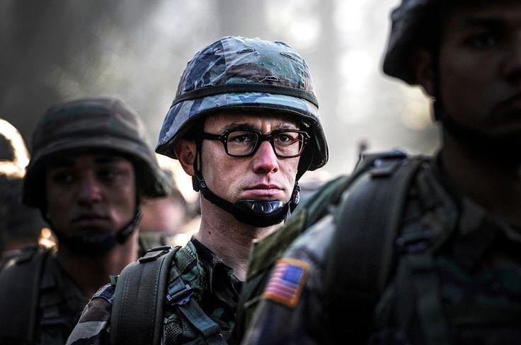 First Photo of Joseph Gordon-Levitt as Edward Snowden in Oliver Stone's New Movie