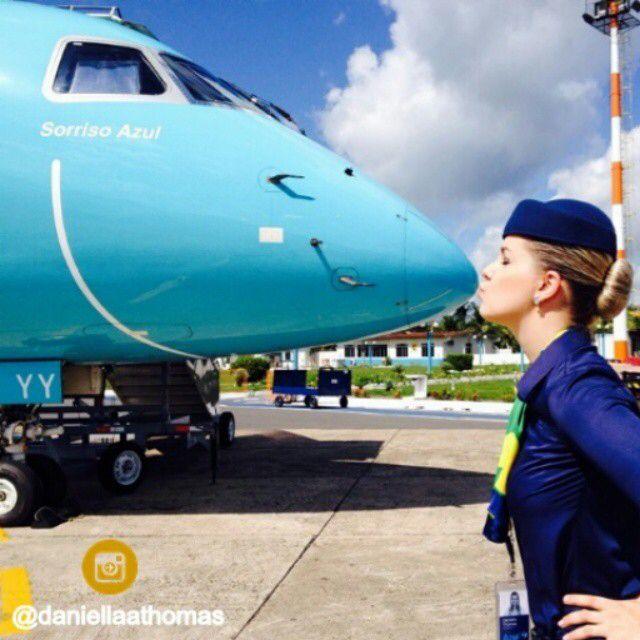 Azul Airlines Stewardess Kiss @daniellaathomas